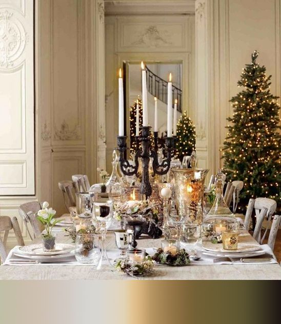 Victorian Christmas table setting. This golden table settings using ...