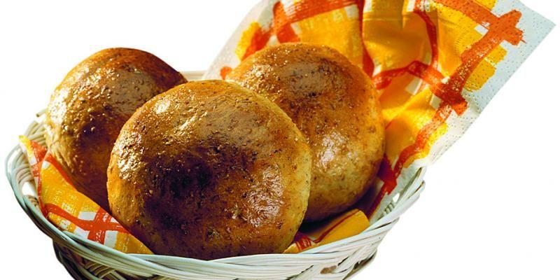 Näin leivot Myllyn Parhaita Sämpylöitä