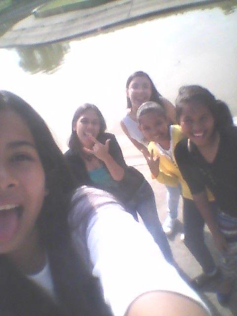 mis amigas y yo en el parque de la federacion