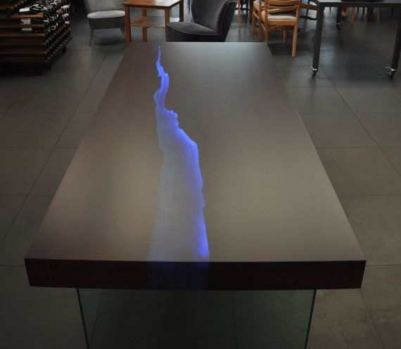 Kasparo amazing table with resin and led technology - Epoxy tisch ...