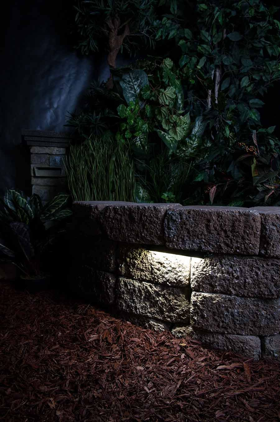 LED Hardscape Lighting Deck/Step and Retaining Wall