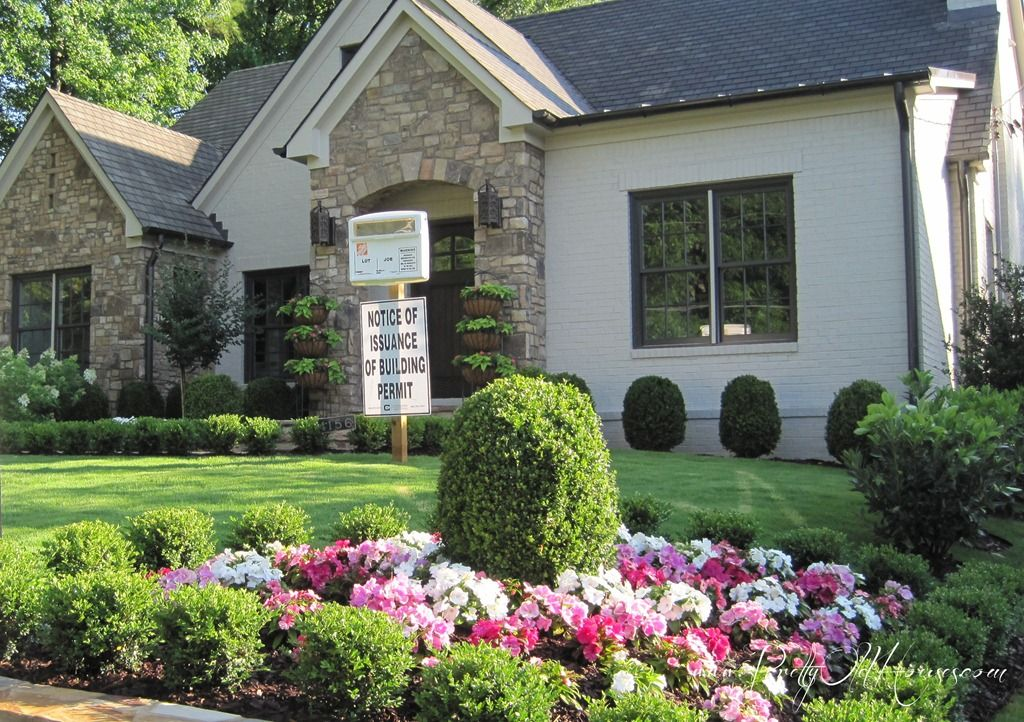 Front Yard Inspiration Small Boxwood Hedges Garden