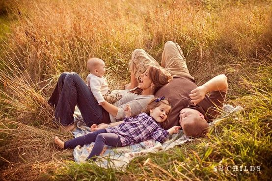 Family Photo Ideas Outside Spring