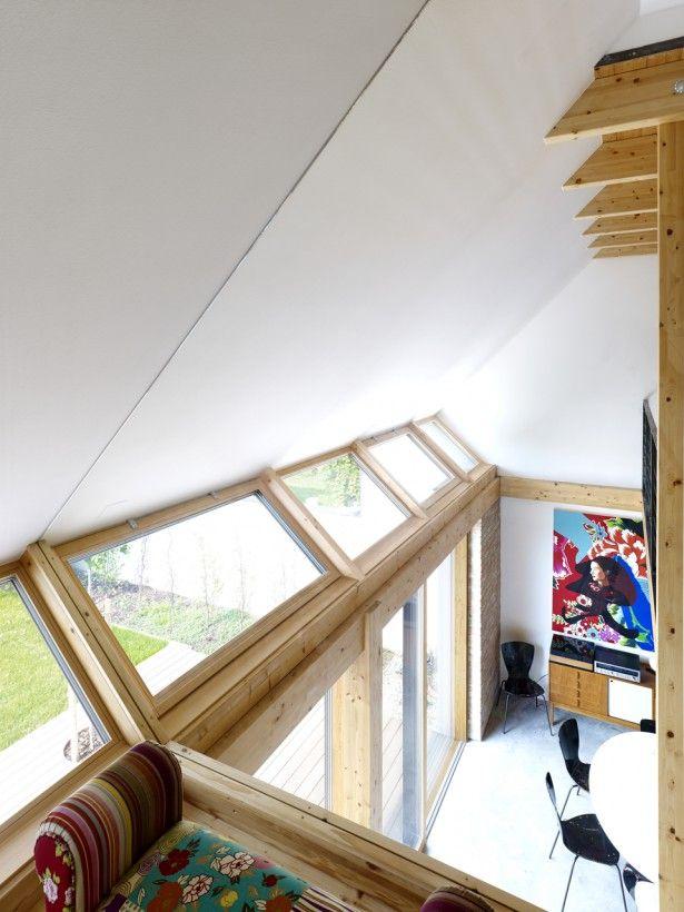 Belle le #finestre inclinate che permettono un maggiore ingresso di luce naturale #mansarda