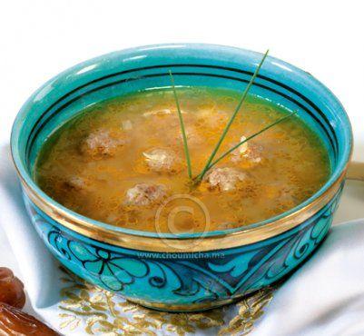 Recette Chorba aux pâtes langue d'oiseau et aux boulettes de viande