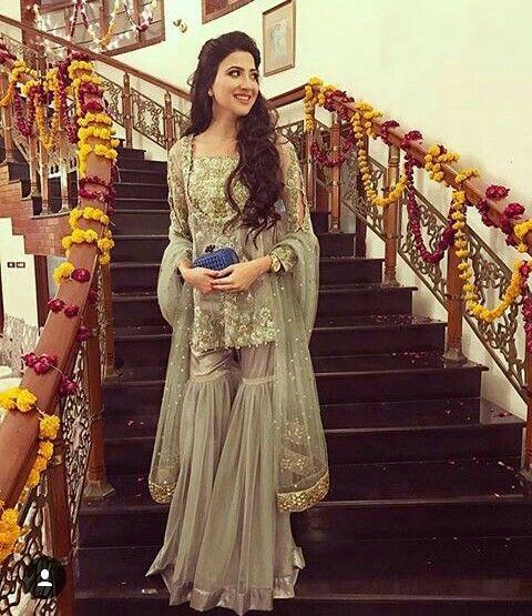 Pin by irfan rukhsar on wedding   Gharara designs, Fashion ...