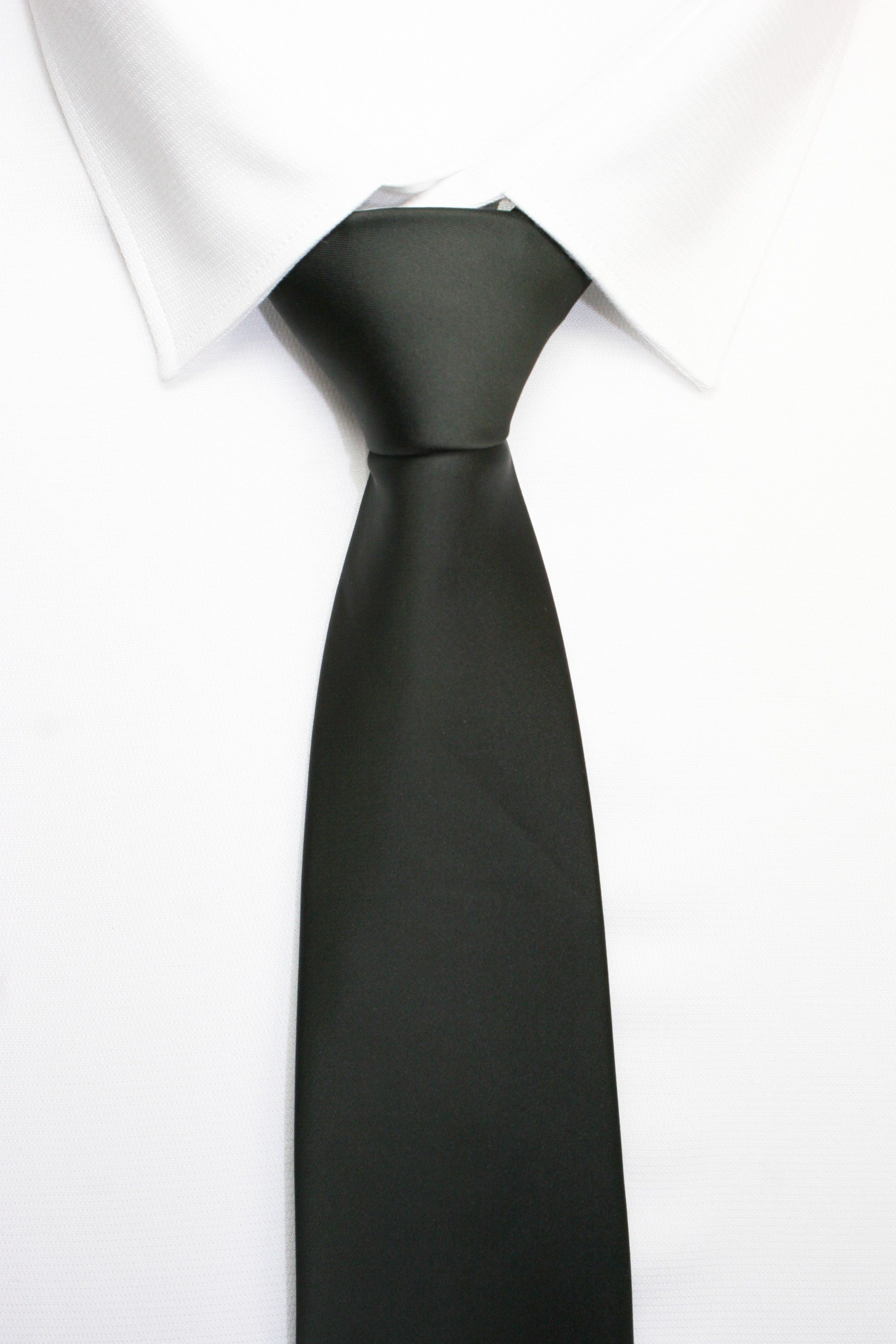 Comprar Corbata Clasica Negra Online | KNOT | Corbatas