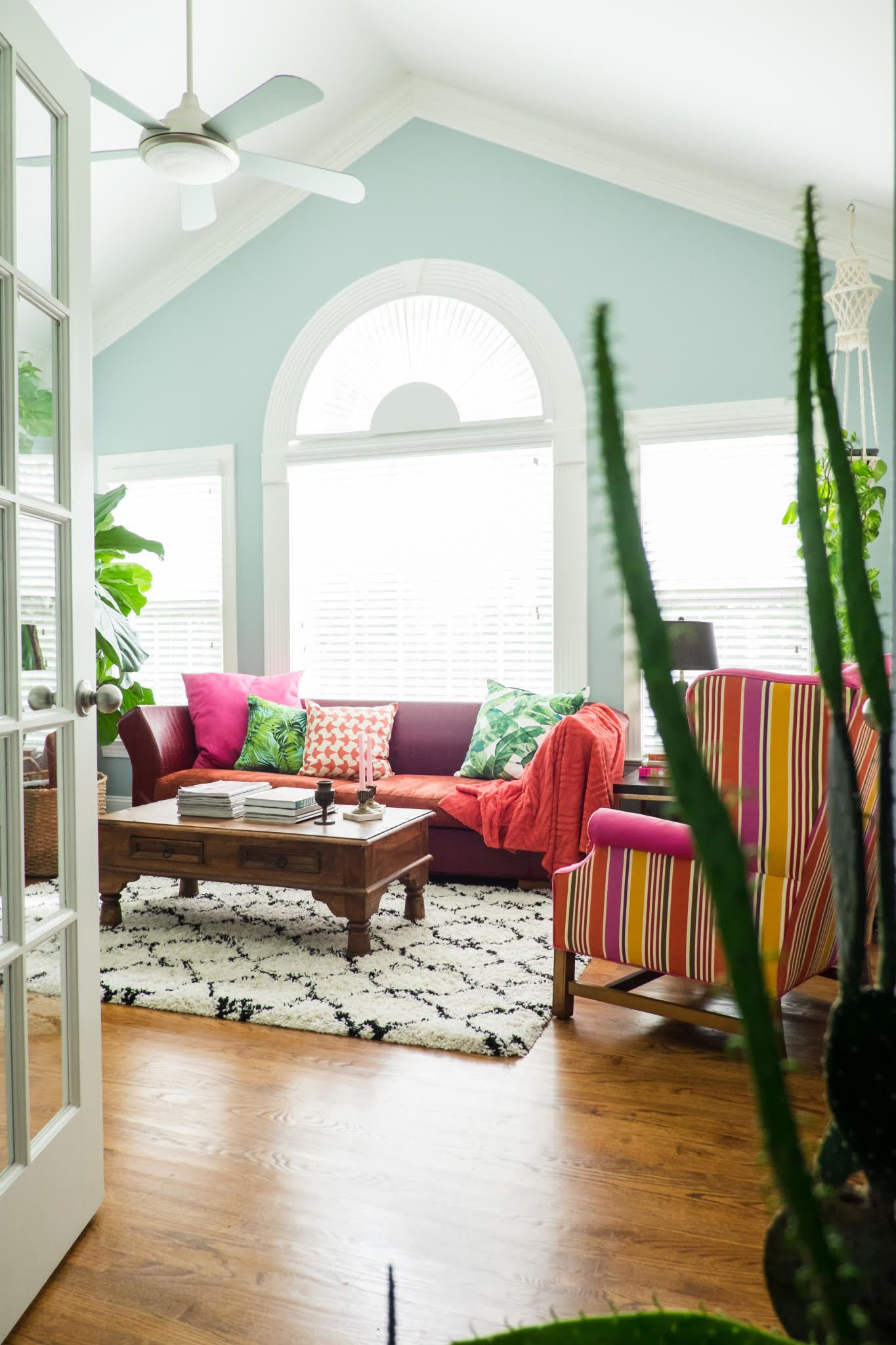 5 designer tips for decorating with color with images on living room color inspiration id=81919