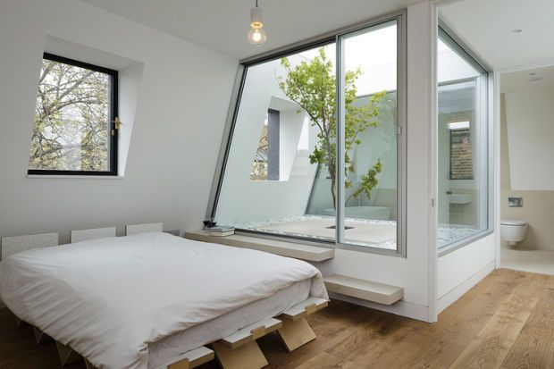 This West London Home Has An UnbelievablyUnique Air Space on the Top Floor - UltraLinx