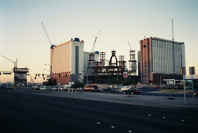 The Excalibur Under Construction In 1989 Vegas Vacation Las