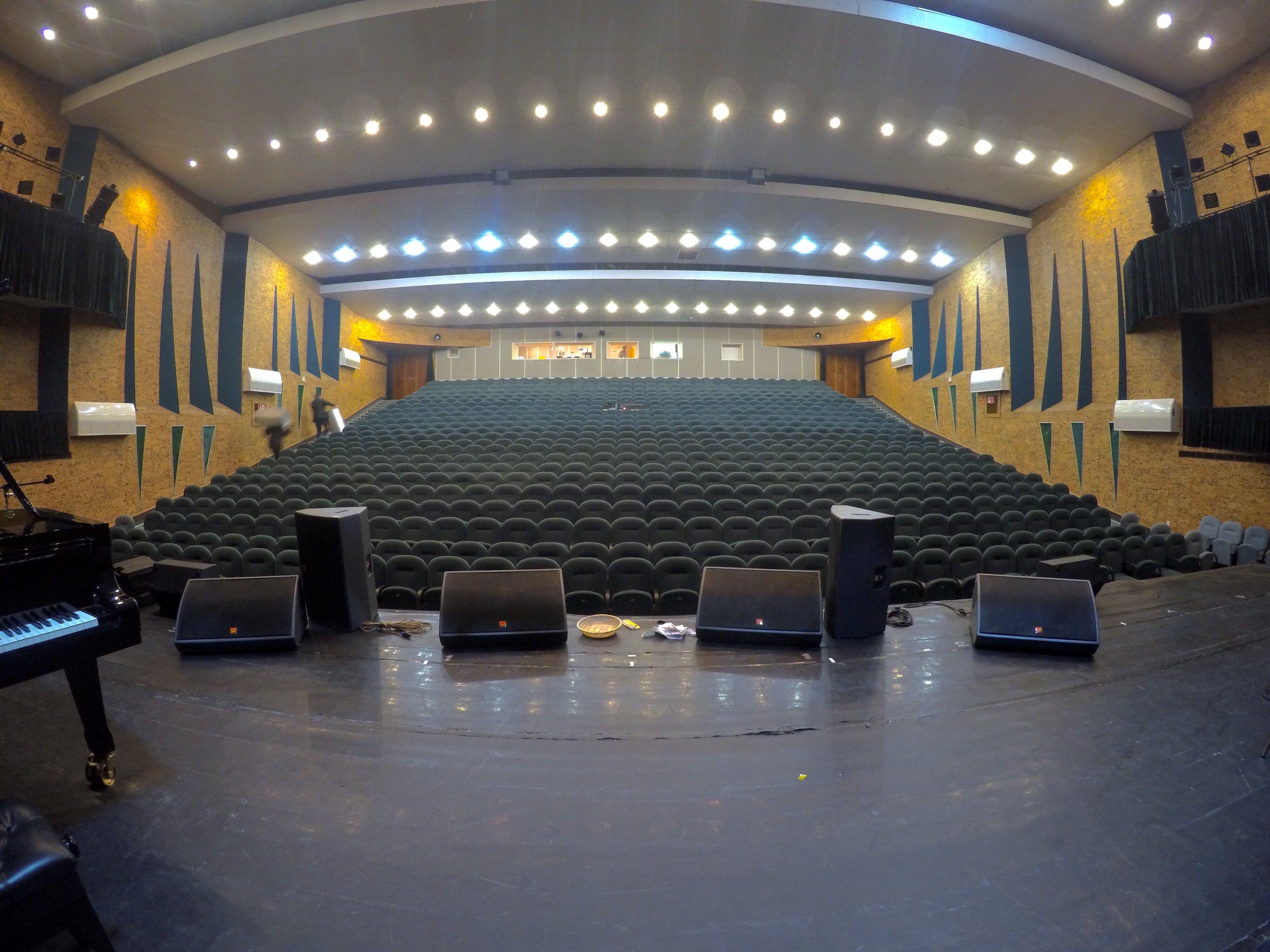 сайте представлена калининградский театр эстрады фото боковые