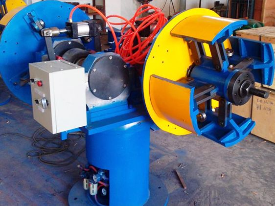 Description Single arm uncoiler/ Double arms uncoiler/butt-to-butt uncoiler  It is the important equipment of front preparation in welding pipe mill line ,maily used to hold steel strip to make coils unfold ,supplying raw material for the production line.