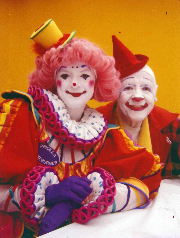 Glen Frosty Little   Mooseburger Newz!   Famous clowns