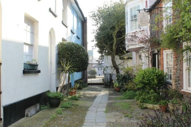 2 bedroom terraced house for sale in Broadstairs, CT10