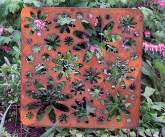 Rustic Accent Screen Garden Stake   Hand Crafted Metal Garden Art Decor     TJB