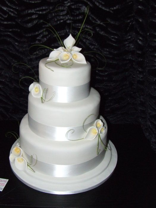 Calla Lily Cake Topper And Side With Images Calla Lily Wedding