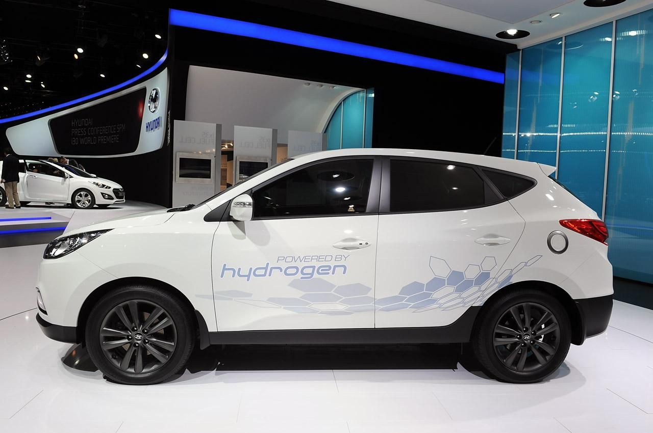 Блог › Париж 2012 › Водородный Hyundai ix35 Fuel Cell