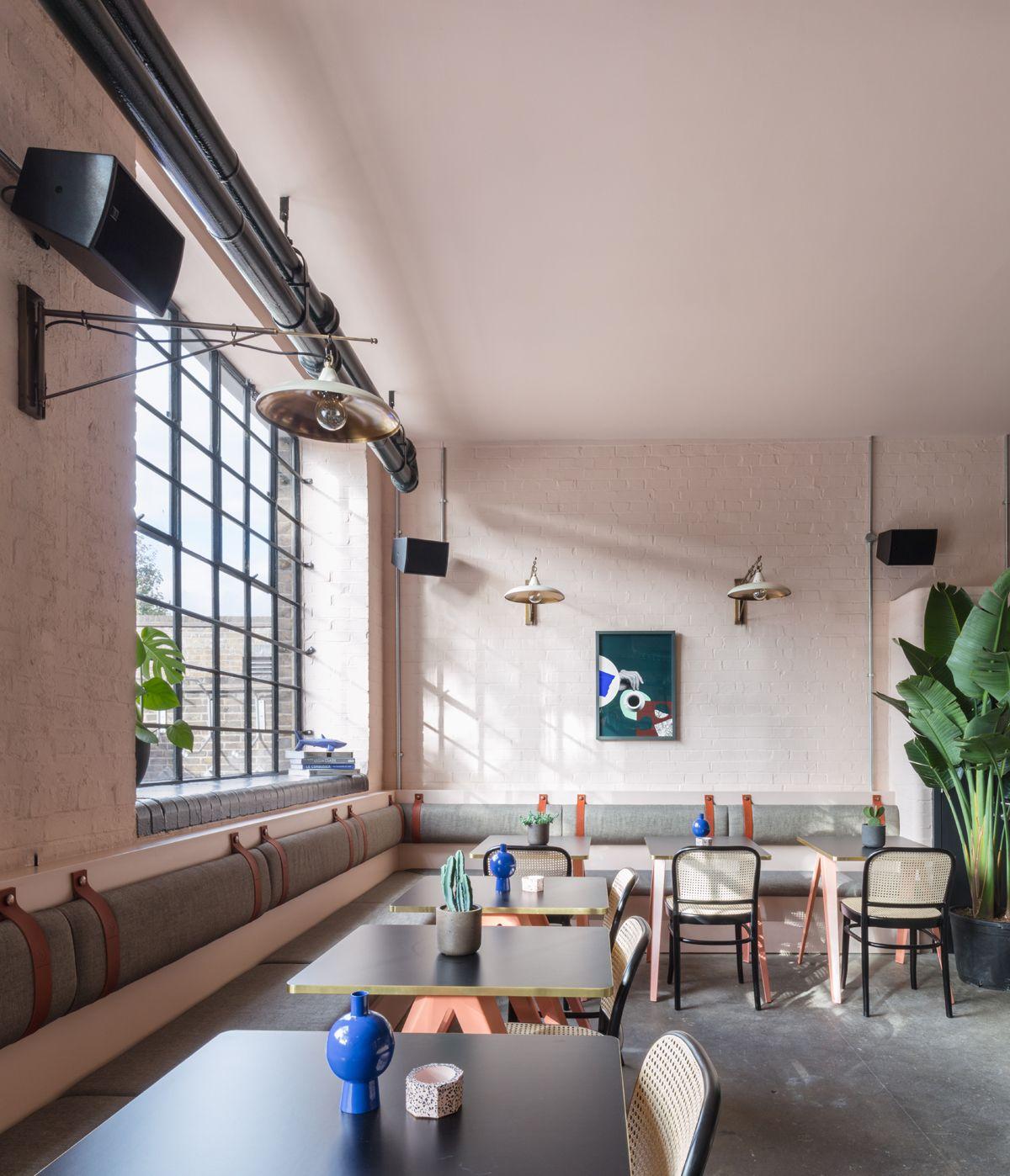 Uno Spazio Di Coworking A Londra Con Tanto Verde E Toni Pastello