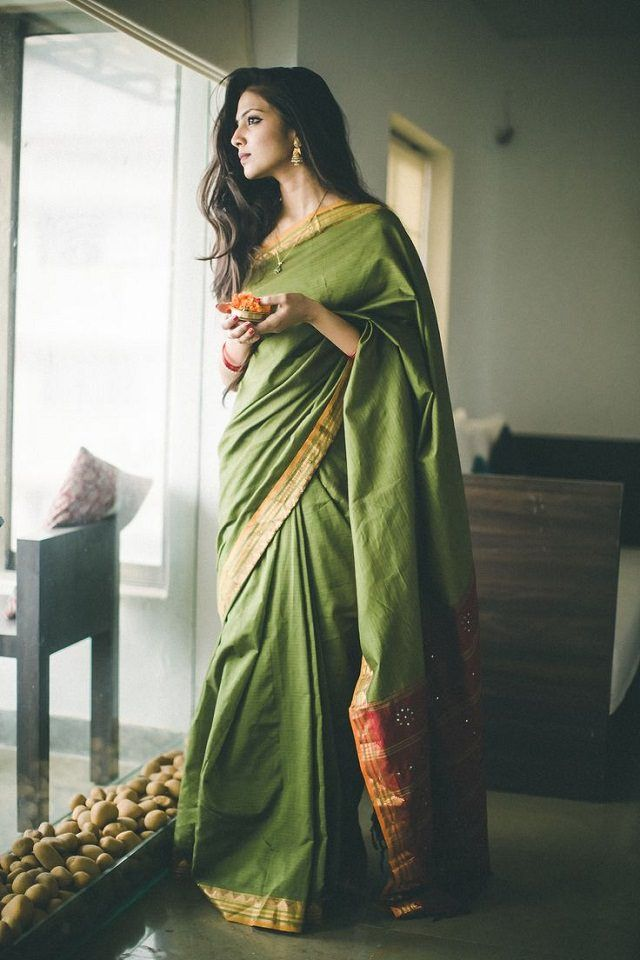 c0dd3c59c8 Short Floating Style: A Casual Way to drape a Saree. Short Floating Style:  A Casual Way to drape a Saree Indian Attire ...