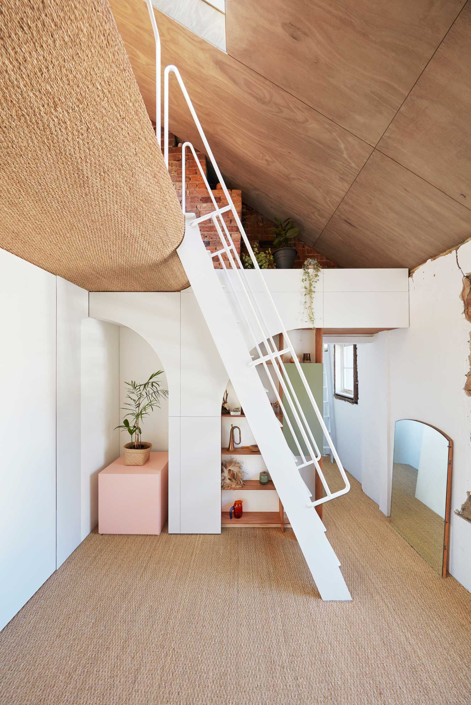 Hoa S House Conversion Of A 150 Year Old Melbourne Pub By Ioa Studio House Home Design