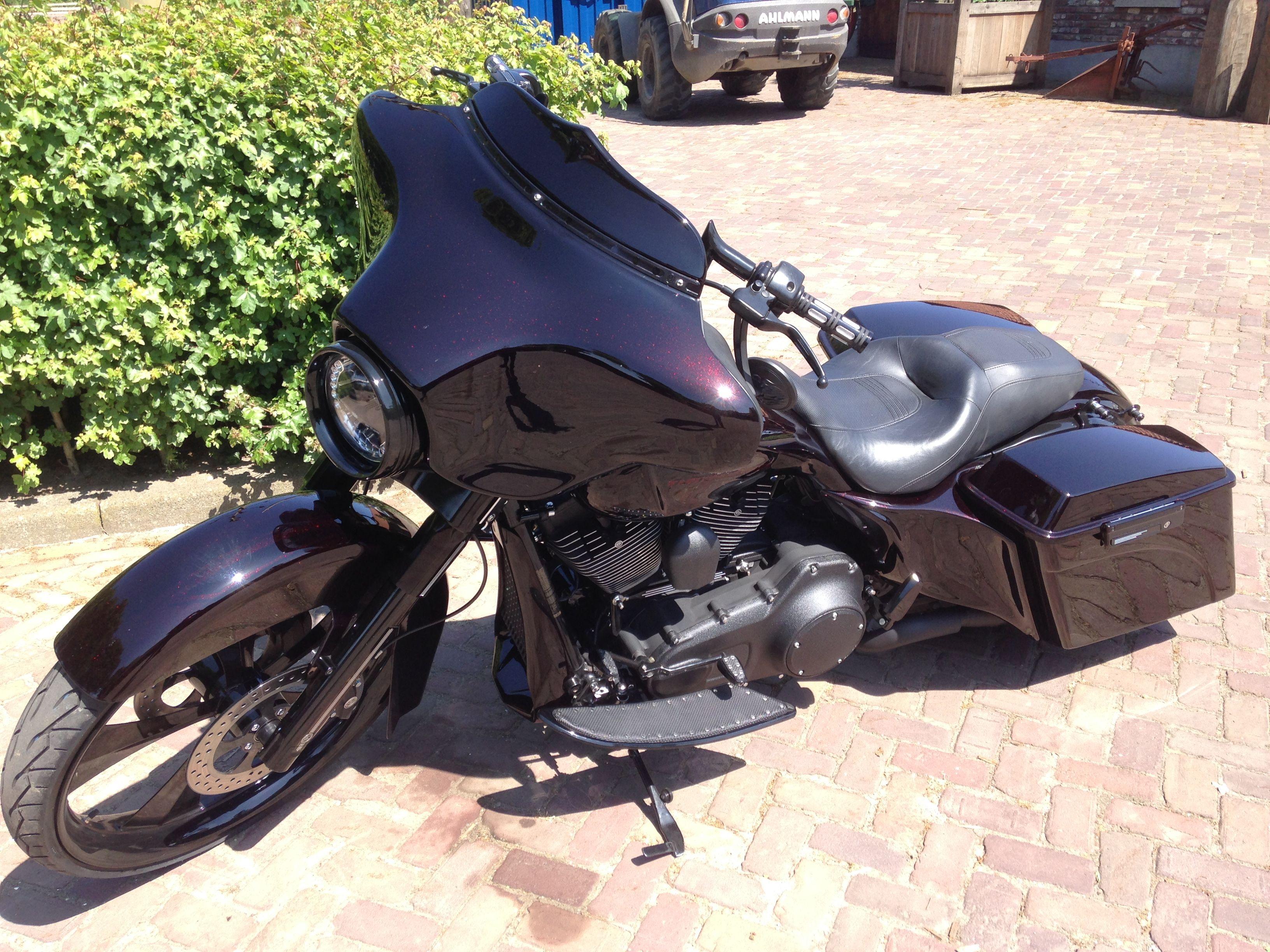 Te koop op marktplaats.nl http://www.marktplaats.nl/a/motoren/motoren-harley-davidson/m916839921-harley-davidson-street-glide-2009-flhx-bagger.html?c=8c285449651fa109c354bbabe740c1b&previousPage=lr