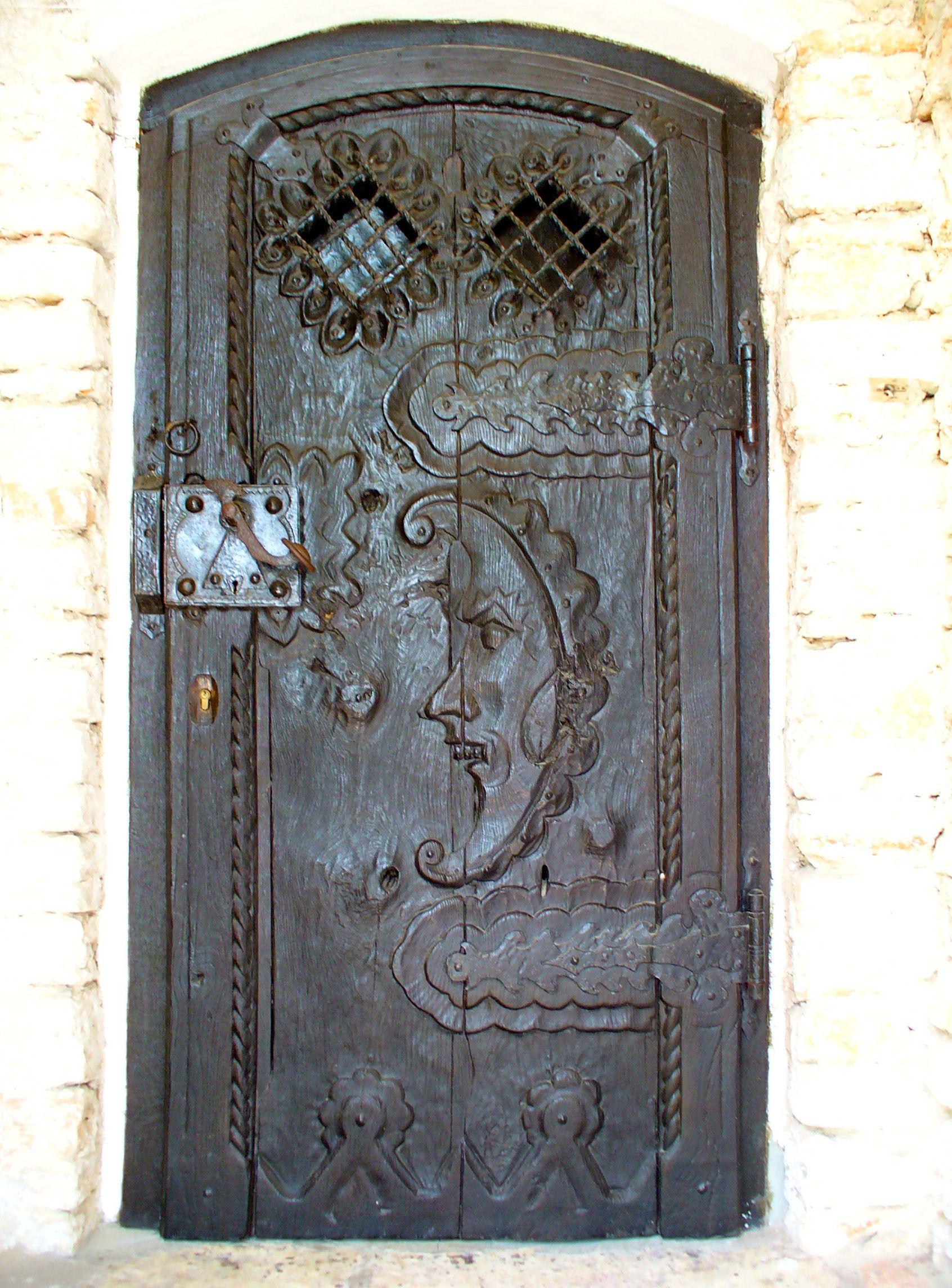 Photo of Brown Door | Textures >> Doors >> wooden doors