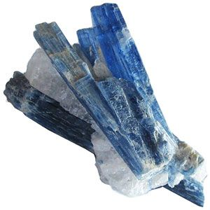 kyanite stone feng shui properties and meaning pierres pr cieuses semi pr cieuses precious. Black Bedroom Furniture Sets. Home Design Ideas