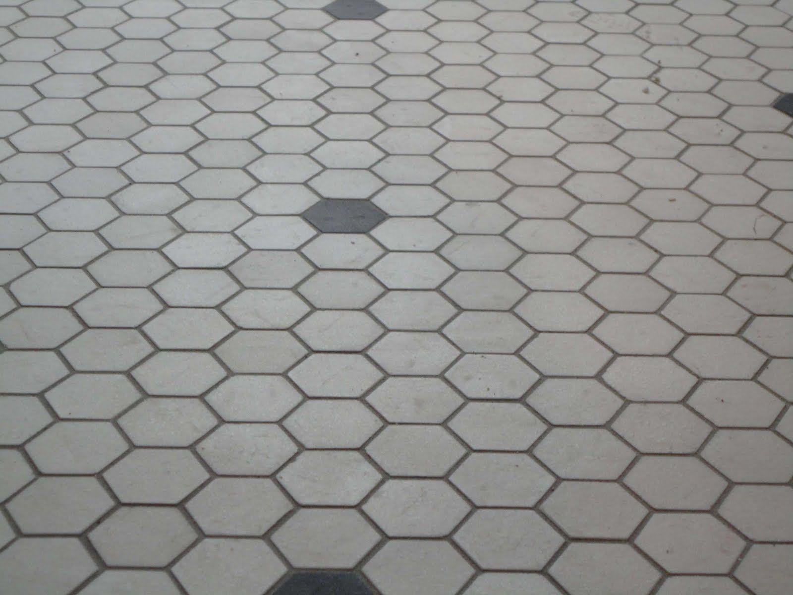 Subway tile wallshex floor wood baseboards and chair rail hs subway tile wallshex floor wood baseboards and chair rail dailygadgetfo Gallery