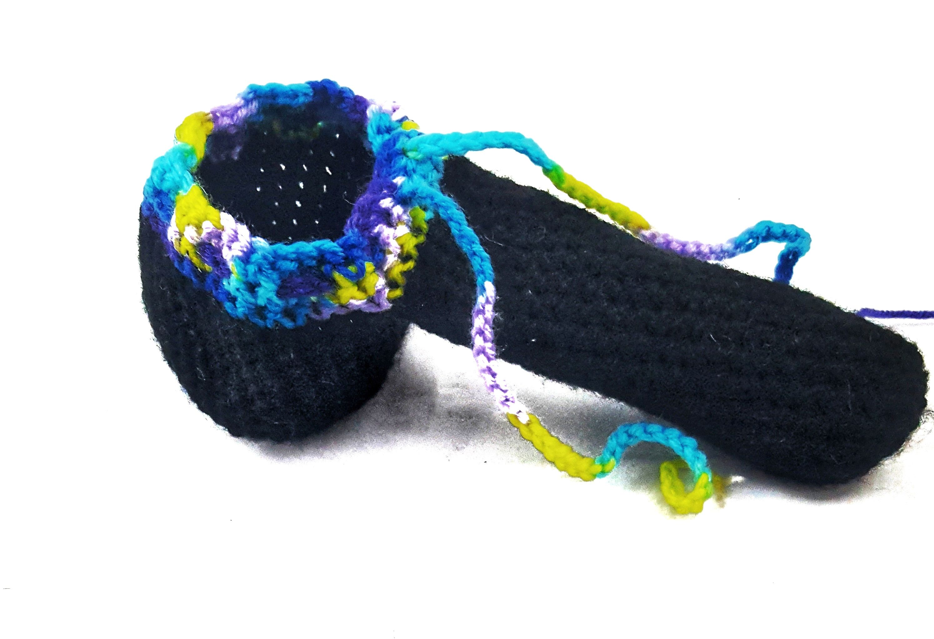 Handmade With Acrylic Yarn These Are A Great Idea For That Hard