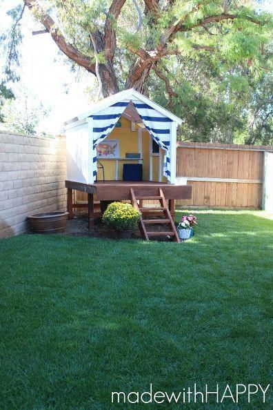 DIY Treehouse. Perfect Happy Hideaway to brighten up any backyard. #diyoutdoorprojects