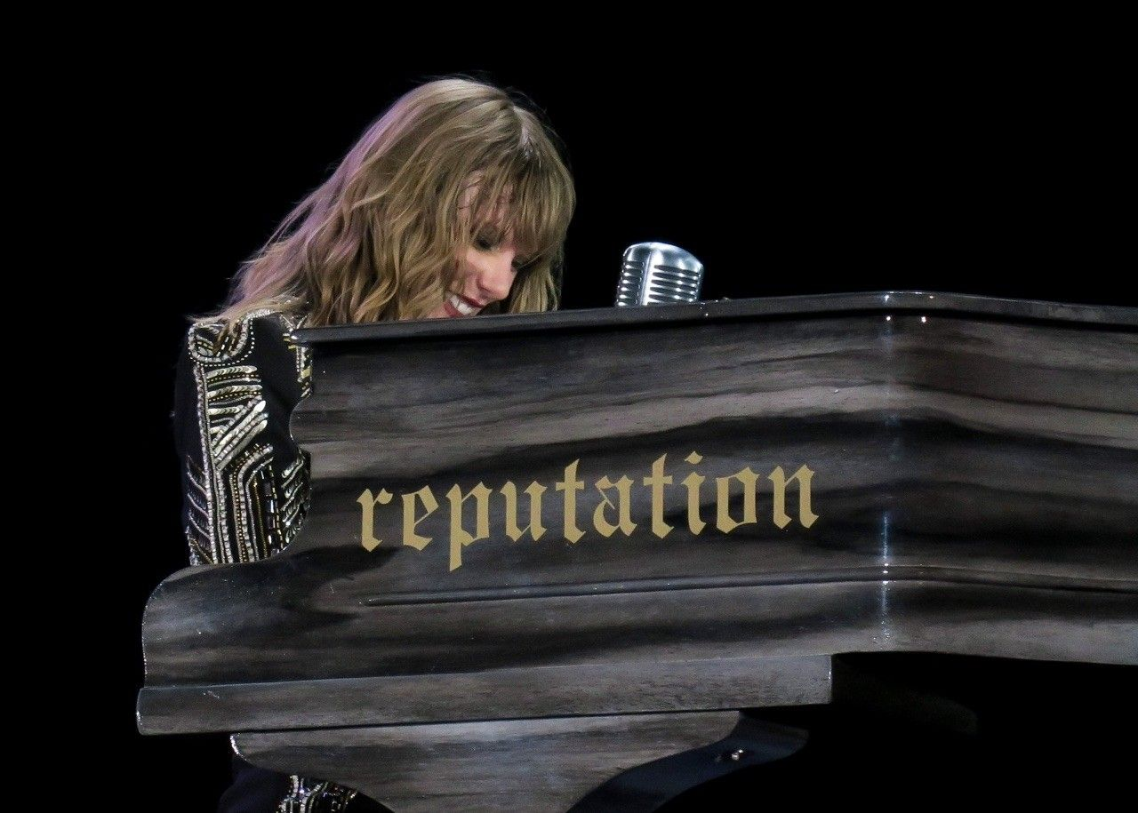 Taylor Swift at the Reputation Stadium Tour performing