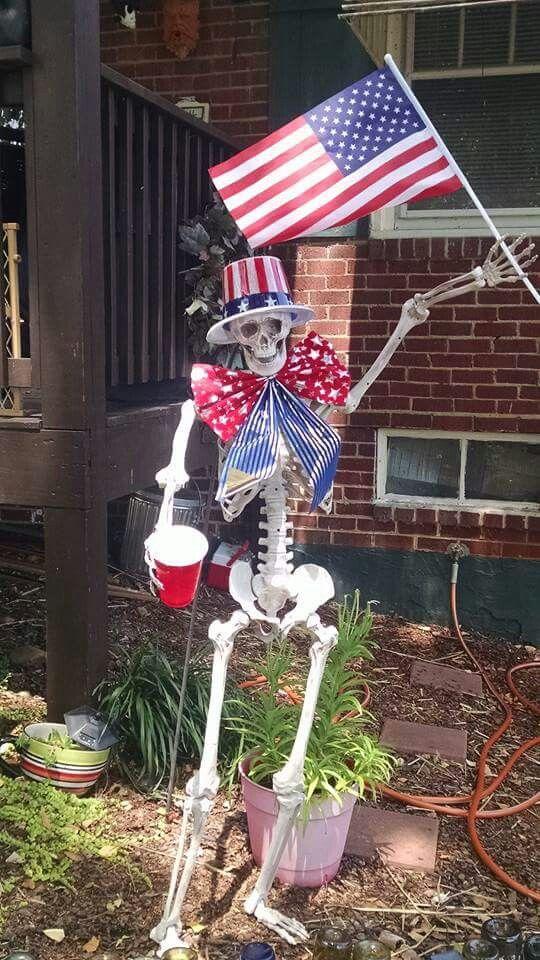 Patriotic skelly-D Bones Pinterest Halloween ideas, Funny - pinterest halloween yard decor