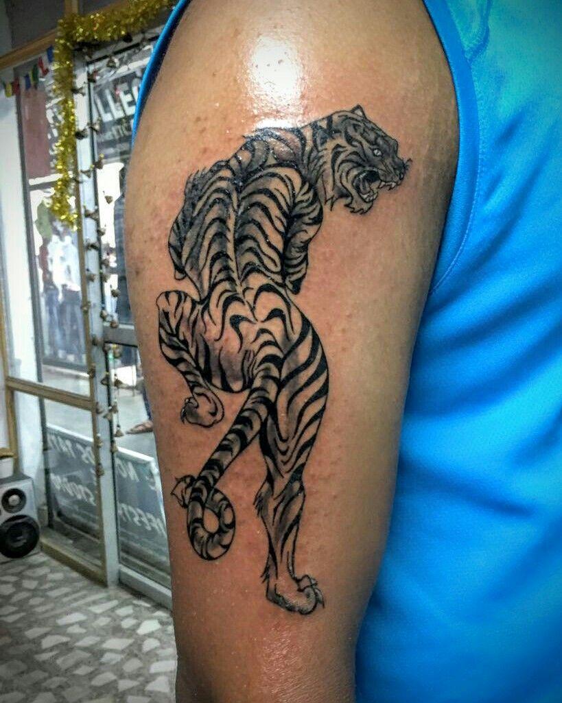 Artist Guppi Singh. Studio Nomad's Tattoo Inn. Location