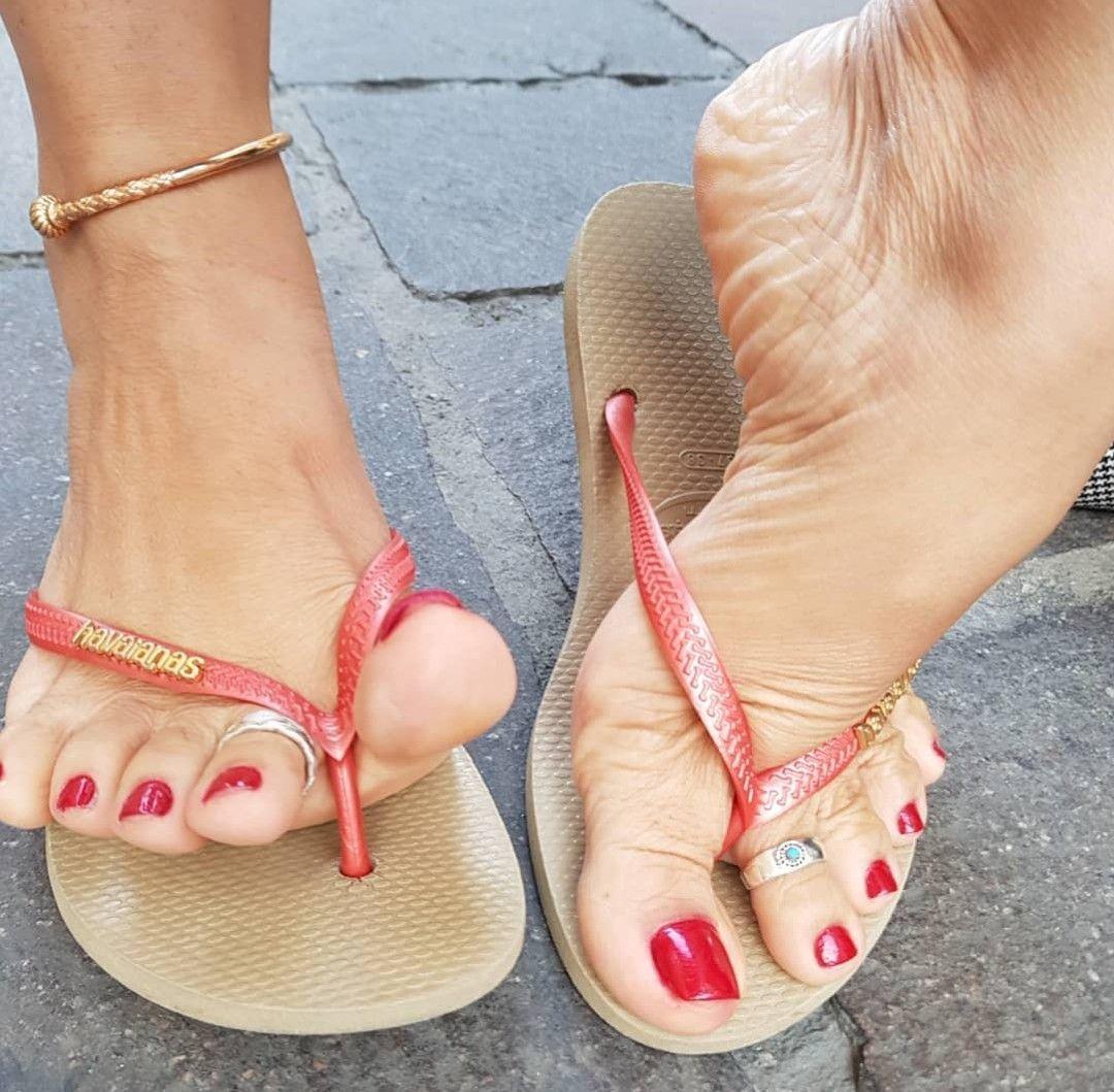 Georgia Jones Lesbian Feet