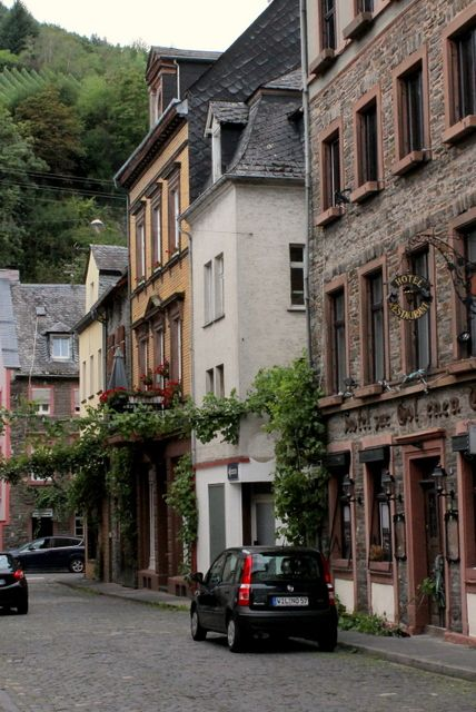 Mode de Lis: Europe, Part 1 · Rhine and Moselle Area Castles