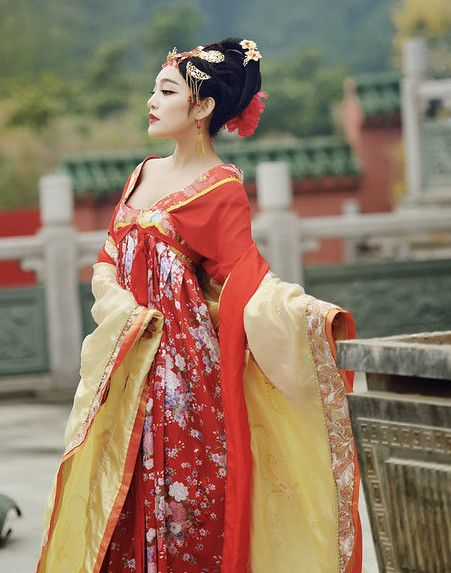 033ae28d7 Traditional Chinese Tang Dynasty Costumes and Hair Accessories Complete Set  for Women