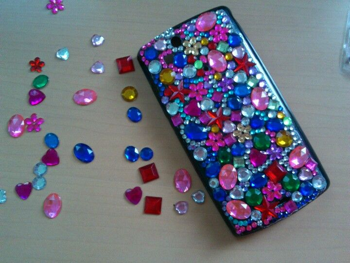 My D-i-Y bejeweled phone case! JUST STICK THE JEWELS USING A HIGH DENSITY  GLUE OR A DOUBLE SIDED TAPE ON A PLAIN COLORED HARD OR JELLY CASE OF YOUR  ... 2a0a2f657e