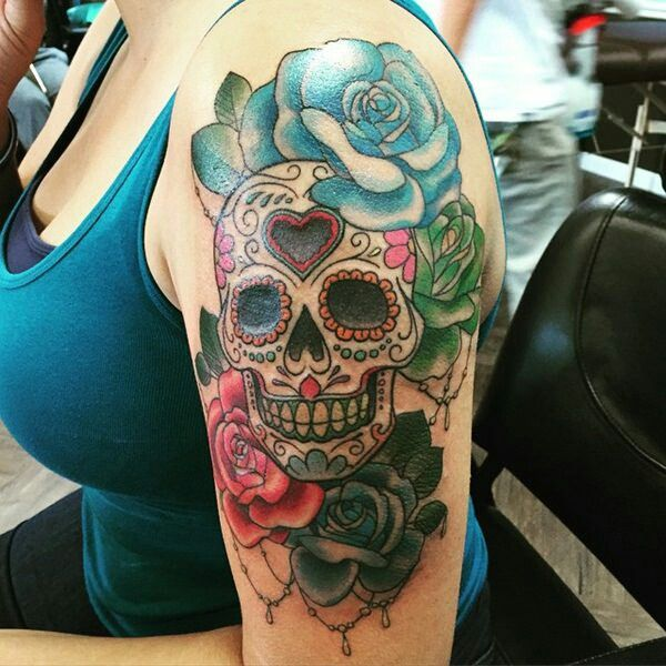 But Only Red Roses And No Color On The Skull Skull Sleeve Tattoos Mexican Skull Tattoos Sugar Skull Tattoos