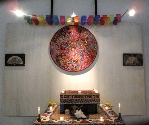 Altar en la Galeria, Alcalá, Oaxaca, México.   Fotos por Rebecca Bewick, Diciembre, 2014.