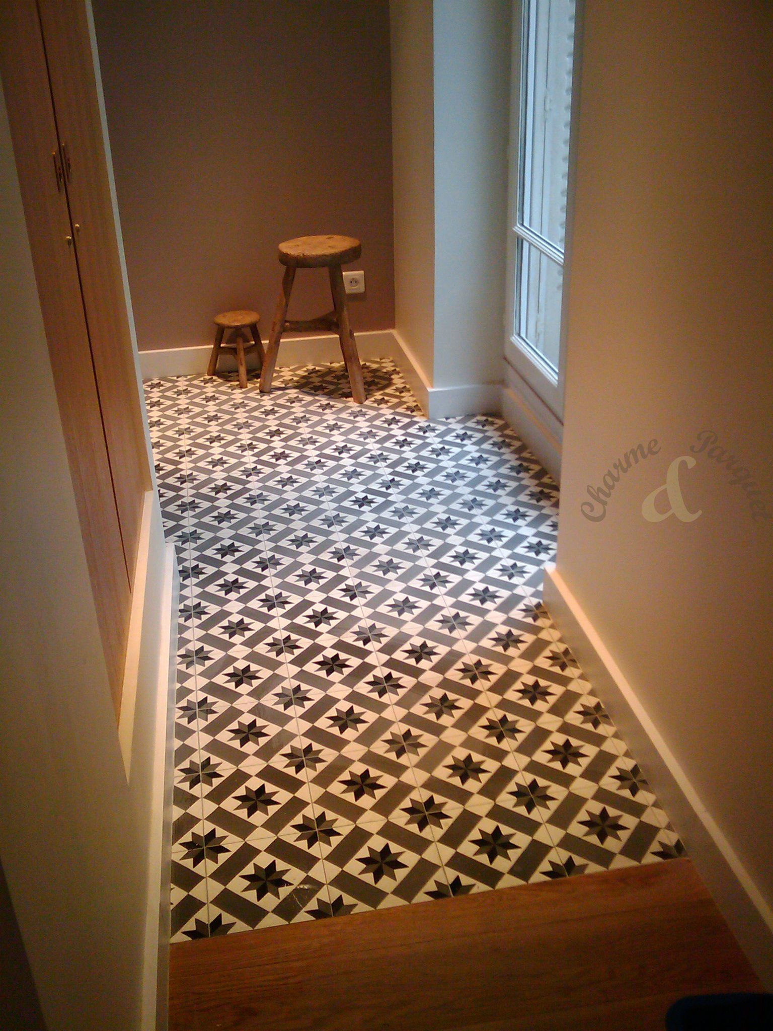 carreaux de ciment dans un couloir mod le ch 13 charme parquet carreaux de ciment. Black Bedroom Furniture Sets. Home Design Ideas