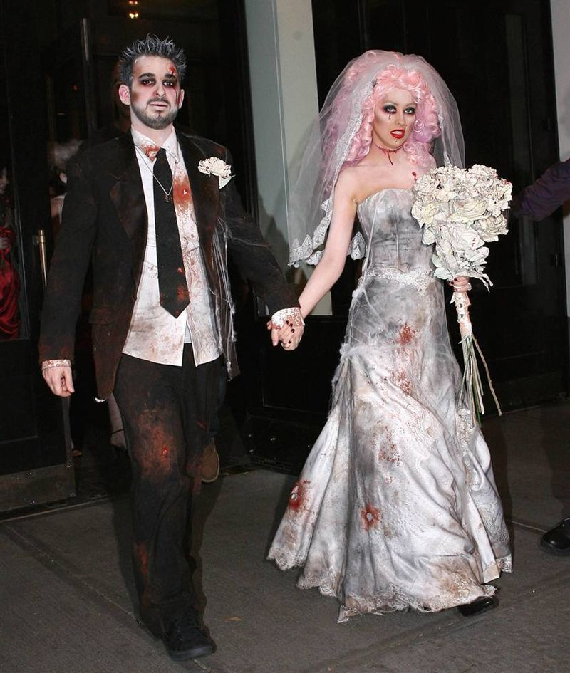 Pin for Later Celebrity Couples Halloween Costumes Christina Aguilera and Jordan Bratman as a Zombie Bride and Groom  sc 1 st  Pinterest & zombie bride and groom | My style | Pinterest | Costumes Halloween ...