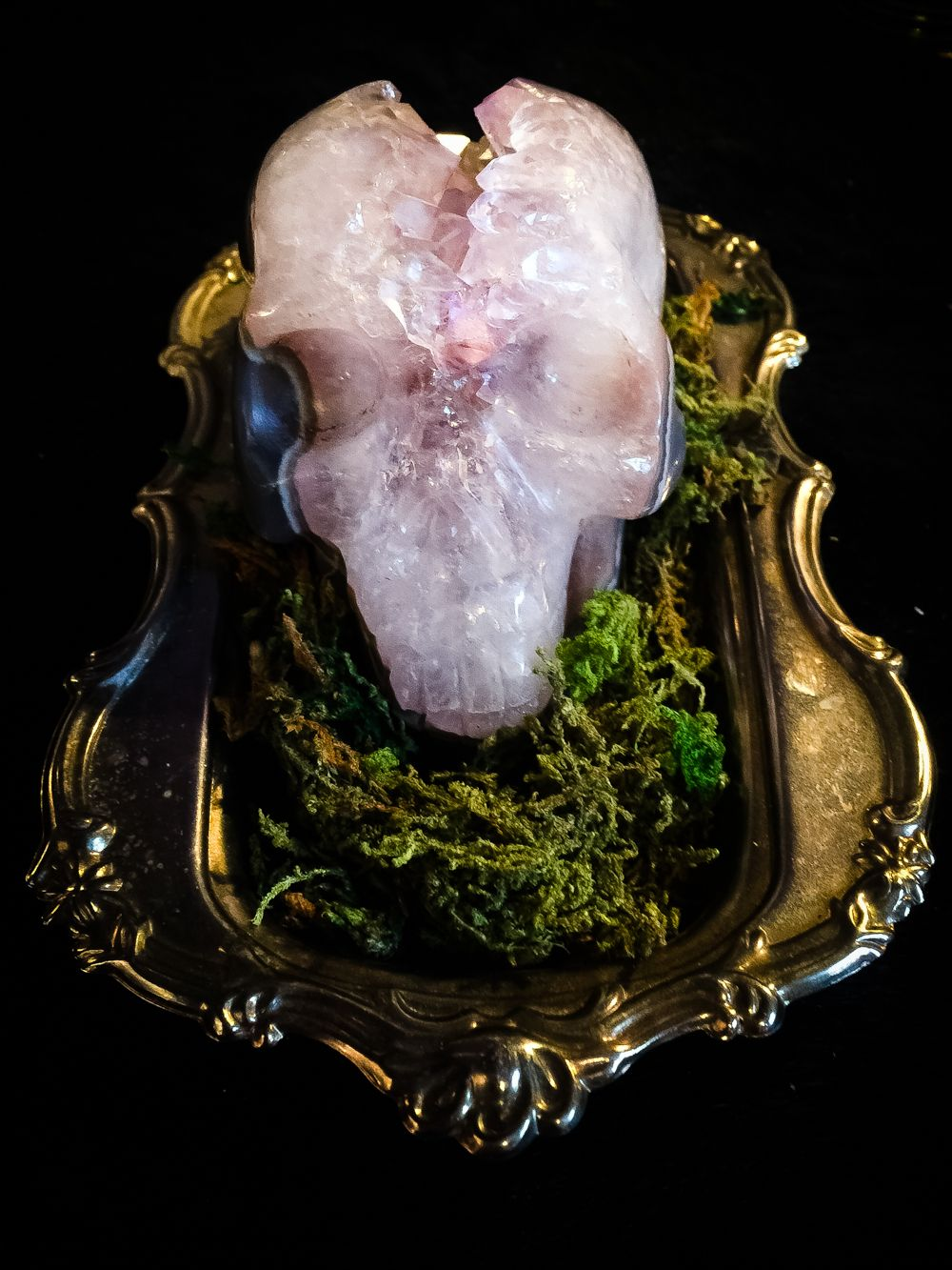 The Amethyst Altar Skull /   Enchanting Ritual Druzy Agate Altar Skull surrounded by moss in a vintage silver offering plate: This piece is one of a kind and when it's gone it's gone. The Amethyst contained within the opening of the skull are perfect for amplifying all your ritual work and connecting with your ancestors. Use as a vessel for small bones to create a spirit home or simply place it on your altar to boost it's powers. A grounding stone, it stimulates the expression of what we…