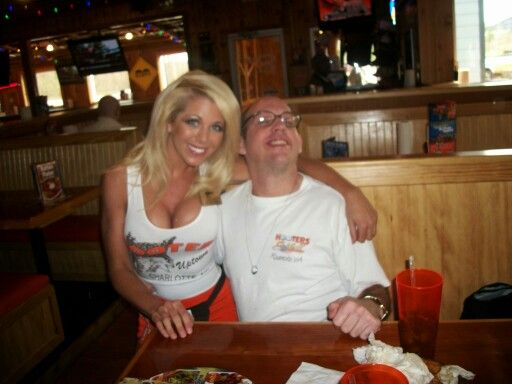 9ed09381d932148bbd150229fdcb9f54 - How To Get A Job At Hooters With No Experience