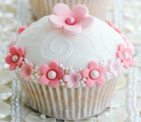 Flower Cupcakes - Wedding Cupcake Ideas [Slideshow]
