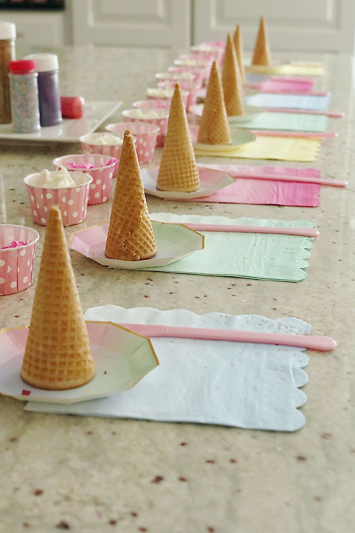 Unicorn Birthday Party - Darling Darleen | A Lifestyle Design Blog #unicorncrafts