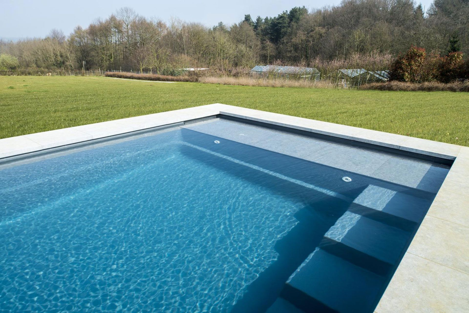 Cube leisure pools europe piscine pinterest piscines for Modele plage piscine