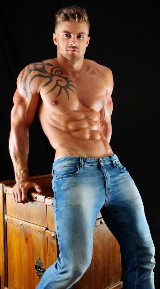 Pin by Ray on muscle   Good looking men, Muscle hunks