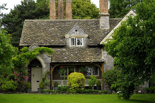 It Doesn T Get More Quaint Than This National Trust Village Cottage At Blaise Hamlet Uk Cottage Homes Cottage Fairytale House