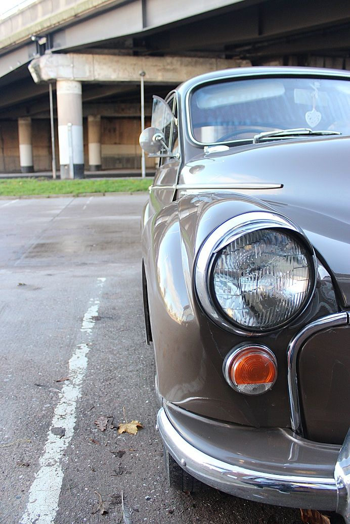 Brown Morris Minor at the David Manners Group http://www.jagspares.co.uk/Morris/company.asp