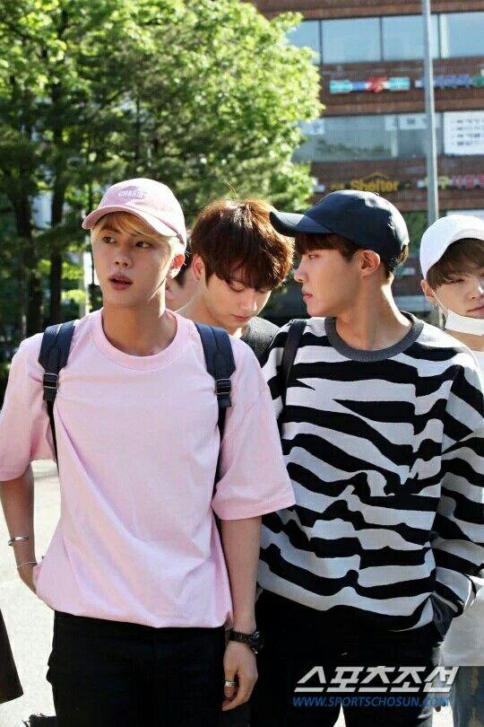 BTS 방탄소년단 || 160513 || Jin 진, JungKook 정국, J-Hope 제이홉